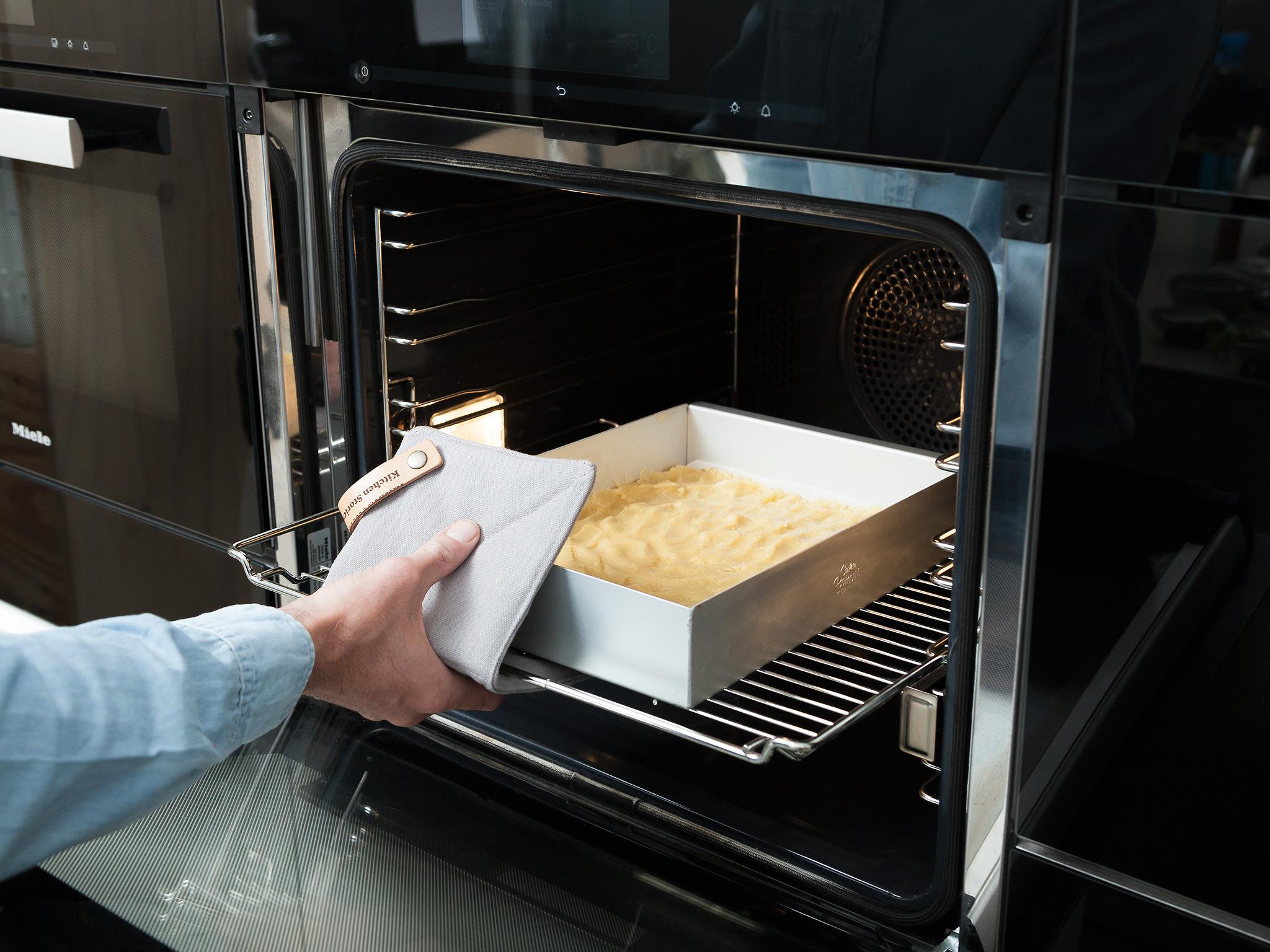 Wsadzanie ciasta do piekarnika